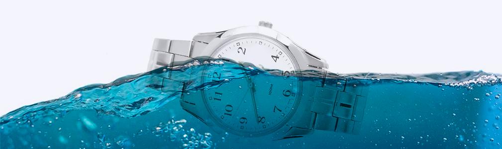 Waterproof vs Water Resistant